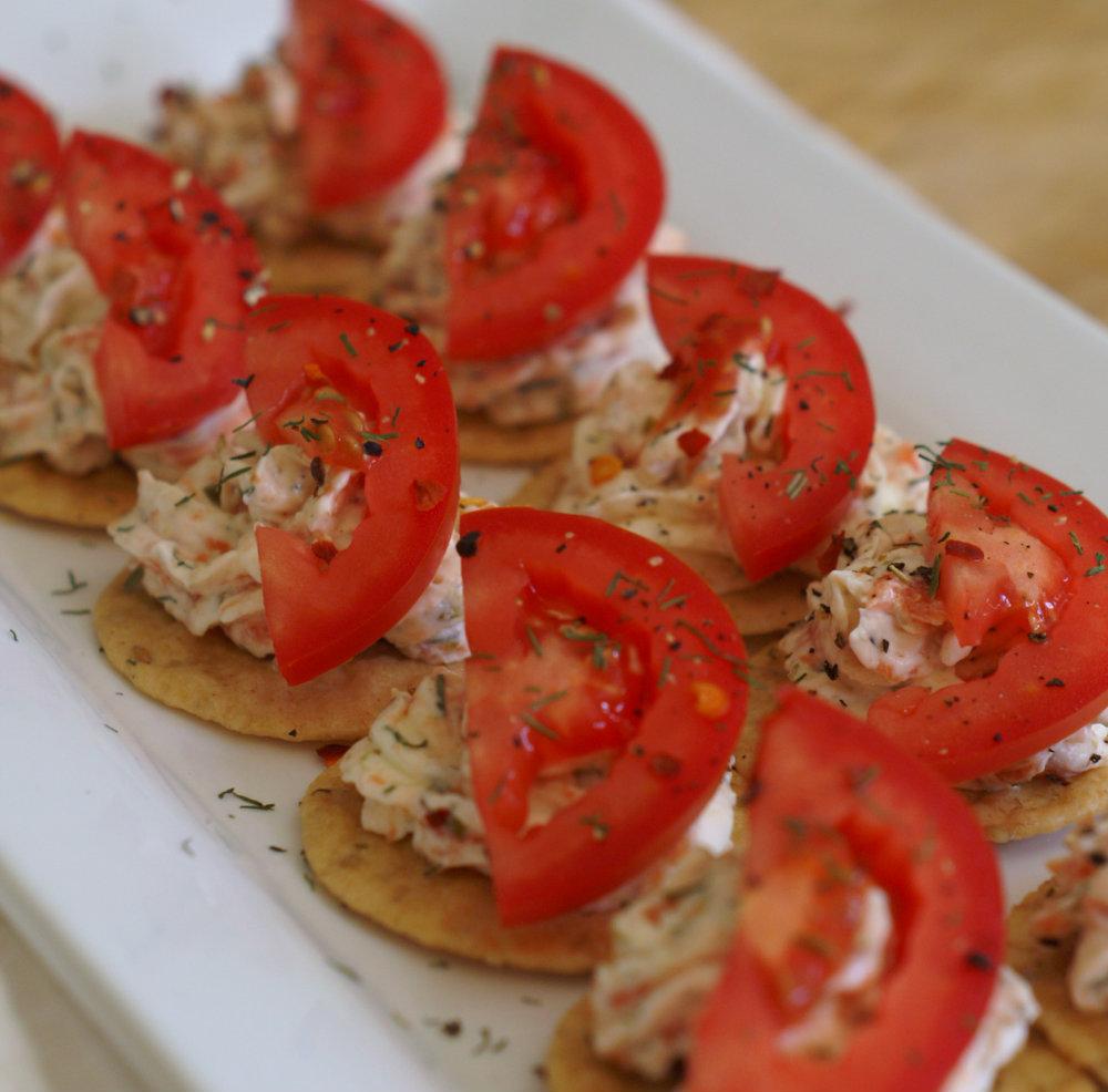 Gluten free smoked salmon and crackers