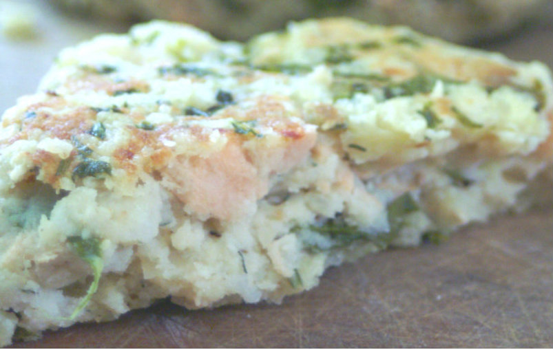 Healthy Salmon and Spinach Cauliflower Potato Burgers