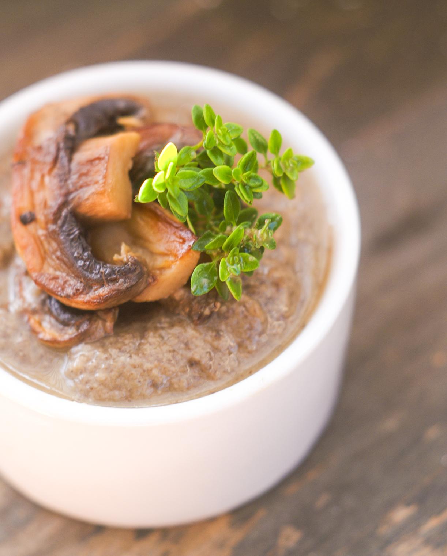 Low Calorie Vegan Mushroom Soup